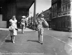 Women on Hunter Street, Newcastle, January 14, 1939.