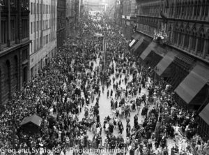 Parade for the return of the AIF's 9th Division in Sydney, April 2, 1943. (12)