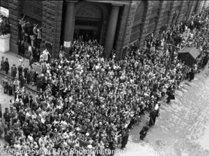 Parade for the return of the AIF's 9th Division in Sydney, April 2, 1943. (13)