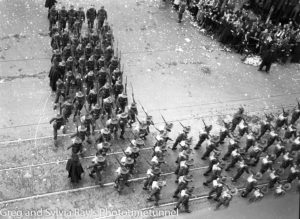 Parade for the return of the AIF's 9th Division in Sydney, April 2, 1943. (2)