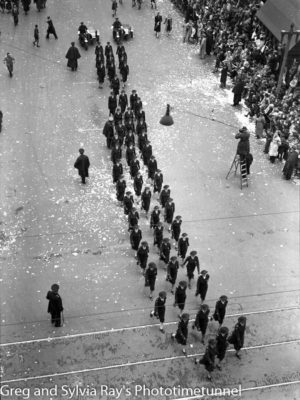Parade for the return of the AIF's 9th Division in Sydney, April 2, 1943. (4)