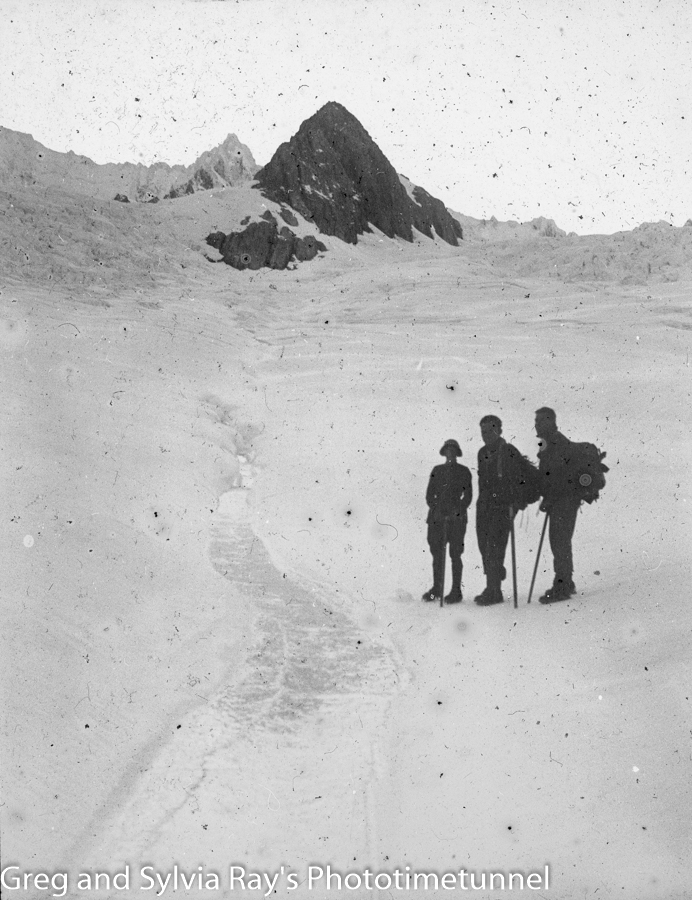Australian lawyer Marie Byles' expedition to the New Zealand alpine country in 1935. Trio on the snow.