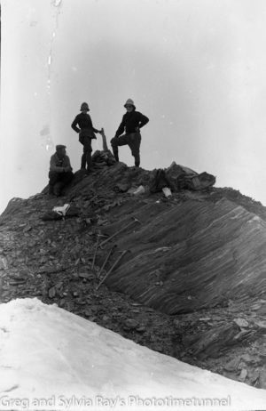 Australian lawyer Marie Byles' expedition to the New Zealand alpine country in 1935. Summit of Mt Query or Mt Doubtful.