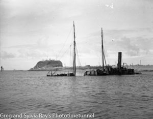 Wreck-of-the-Meeinderry-in-Newcastle-Harbour-(1).jpg