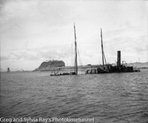 Wreck of the collier Meeinderry in Newcastle Harbour, 1921.