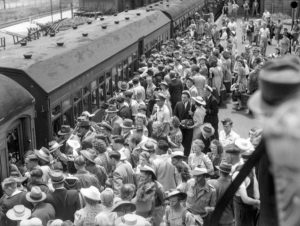 Crowd at Broadmeadow Railway Station, Newcastle, NSW, June 1, 1946. (3)