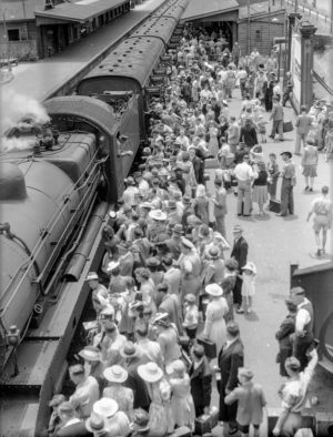 Crowd on the platform at Broadmeadow Railway Station, Newcastle, NSW, June 1, 1946.