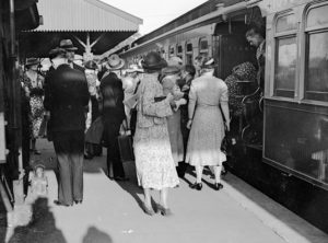 Easter crowd at Newcastle Railway Station, Newcastle, NSW, March 25, 1937. (10)