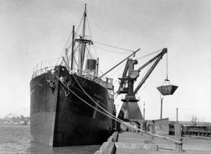 Ship Karetu at the coal cranes, Newcastle, NSW, August 16, 1935.