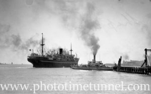 Ship Bendigo in Newcastle Harbour, NSW, November 19, 1935. (2)