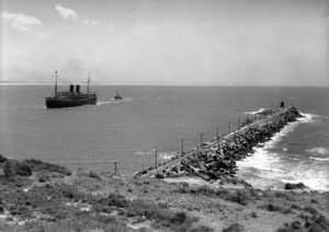 P&O liner Comorin entering Newcastle Harbour, NSW, on January 31, 1936. (3)