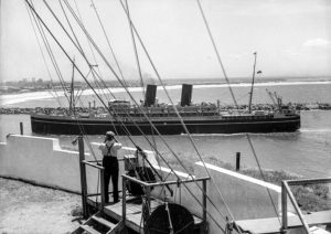 P&O liner Comorin entering Newcastle Harbour, NSW, on January 31, 1936.
