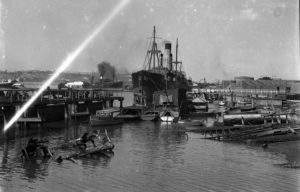 Shipping in Newcastle Harbour, August 27, 1946. (3)