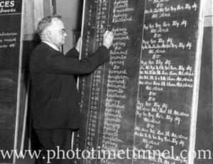 Signwriter Mr Richardson at Newcastle Railway Station (2)