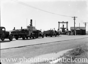 Vehicles queuing in Newcastle for the harbour punt to Stockton, August 23, 1937.