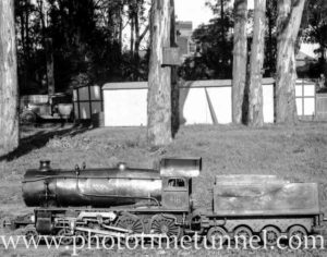 Miniature steam locomotive #418 at Manly, circa 1930.