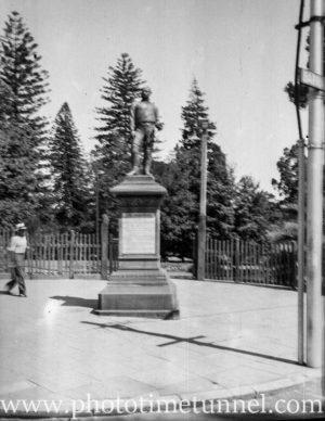Alexander Forrest statue Perth, WA, 1936