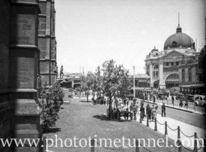 Flinders Street railway station, Melbourne, Victoria, 1936.