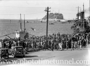 Crowd at Newcastle Harbour, NSW, for the visit of the British submarine HMS Virtue, September 10, 1945. (2)