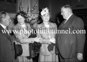 Helen Keller in Newcastle, meeting Mayor H. Quinlan.
