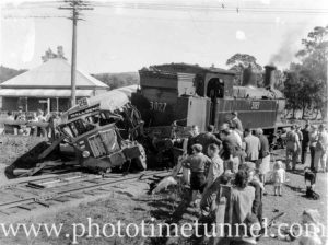 Onlookers at a collision between a bus and a train at Toronto, Lake Macquarie, August 17, 1944.