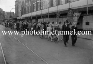 Baptist Crusade procession in Hunter Street, Newcastle, NSW, circa 1930s.
