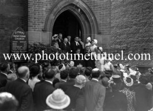 Funeral of Presbyterian minister and RAAF Chaplain Andrew Robson McVittie in Newcastle on November 6, 1947. (7)