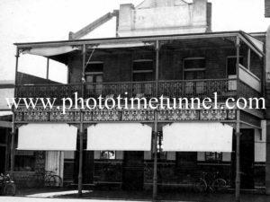 Advance Australia Hotel Wagga Wagga, NSW, circa 1940s.