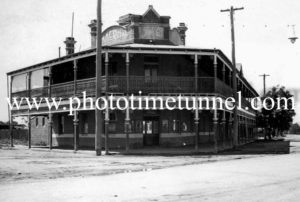 Commercial Hotel, Stockinbinbah, NSW c1940s.