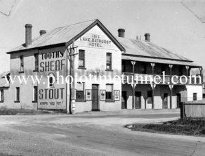 Lake Bathurst Hotel, Tarago, NSW circa 1940s.