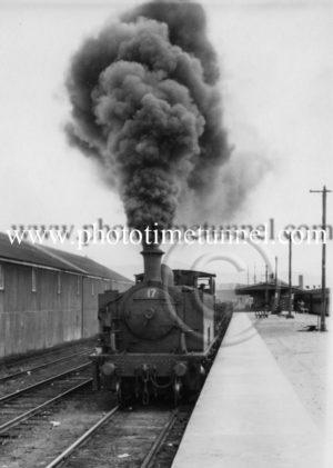 Steam locomotive no.17.