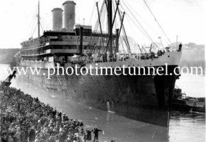 Passenger liner Orontes at Sydney, 1948 (2).