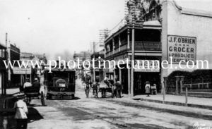 Steam tram in High Street Maitland (4)