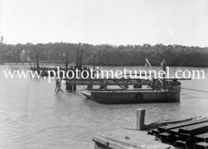 Construction of the Hexham Bridge over the Hunter River near Newcastle, NSW, June 17, 1947. (1)