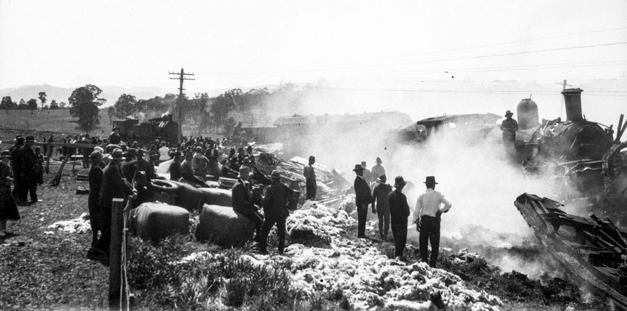 Rail smashes: Murrurundi 1908 and Murulla 1926
