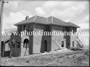 Flats, Wrightson Avenue, Bar Beach, Newcastle, NSW, October 1935. (2)