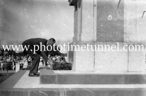 Prince Henry, Duke of Gloucester, laying a wreath at war memorial, Maitland, NSW, 1934