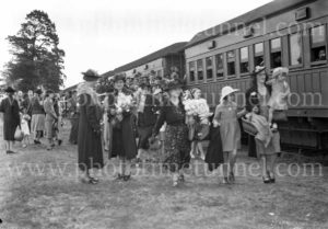 Mothers Day train at Sandgate Cemetery, Newcastle, NSW, May 14, 1939