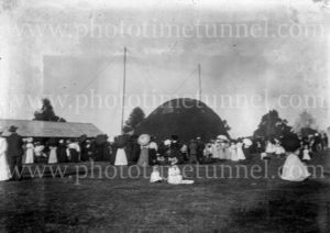 "Spectators at ""Captain Penfold's"" hot air balloon at Grafton, NSW, 1910."