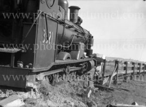 Steam locomotive 3321 derailed at Woodville Junction, Newcastle, NSW, May 11, 1936. (5)