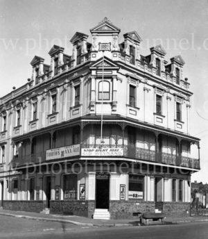 Kauri Hotel, Glebe, Sydney, NSW, circa 1940s.