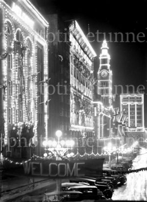 Illuminated decorations in Sydney for the visit of Edward, Prince of Wales, 1920. (29)