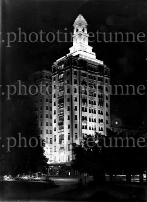 Illuminated decorations in Sydney for the visit of Edward, Prince of Wales, 1920. (36)