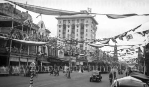 Street scene during South Australian centenary celebrations, Adelaide, 1936. (3)