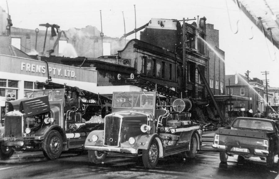 Capper's hardware store fire, Maitland, 1971