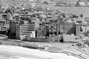 Aerial view of Newcastle East, showing Royal Newcastle Hospital and the Esplanade Hotel, 1977.