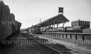 Rail motor at Maryborough Station, Queensland, circa 1940s.