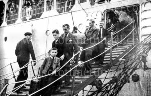 Immigrants arriving on the ship Fairsea, Newcastle Harbour, NSW, 1949. (2)
