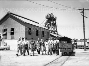 Members of the Institution of Engineers, Australia, visiting Burwood Colliery, Whitebridge, NSW, November 20, 1947. (2)