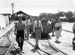 Members of the Institution of Engineers, Australia, visiting Burwood Colliery, Whitebridge, NSW, November 20, 1947. (3)